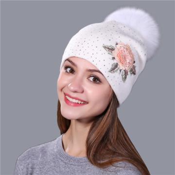 Parches de bordado de moda de sombrero de invierno femenino de punto