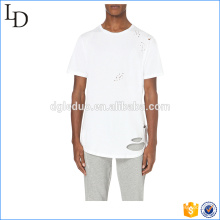 Bainha curvada em branco angustiado t camisas mock furos longline tee