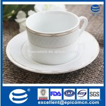 Articles en céramique en céramique en céramique, tasses à café en porcelaine décorées d'or et soucoupe