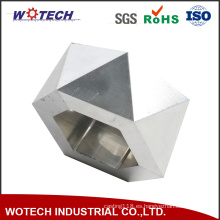 CNC de precisión que trabaja a máquina piezas de aluminio anodizadas