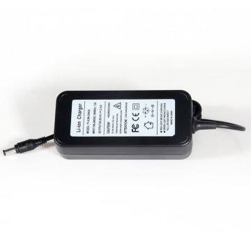 Batterie 29.4V 2A / 3A de lithium-ion pour la chaussure de suspension Ebike Scooter 7Series
