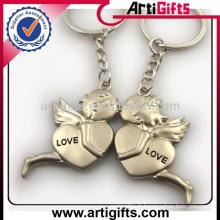 Wholesale pas cher personnalisé métal couple ange porte-clés