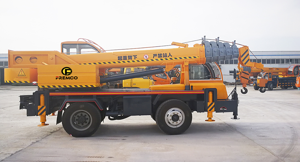 Truck Crane for Construction Use