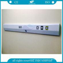 Weiße und blaue Wand, die für Patientenzimmerklinik-Bettkopfteil angebracht wird