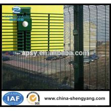 Забор сетка приложений и пластиковым покрытием железной проволоки Материал дешевый металлический забор панели