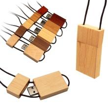 Clé USB en bois avec cordon