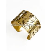 China Hersteller billig Großhandel 2014 Mode Gold Armreifen mit Blättern für Frauen