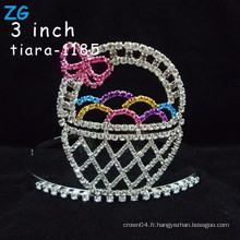 Jolie pendentifs colorés en pâques oeufs en cristal, couronne tiara, couronnes roses à la rose