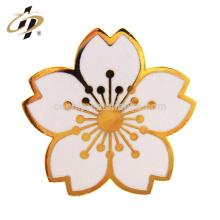 Atacado personalizado de metal flor artificial sakura alegre papoula lembrança de lapela pin badge
