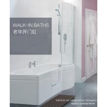 Gran paseo en el baño para los ancianos