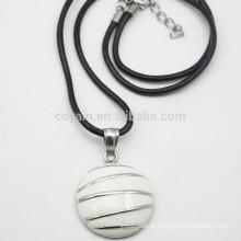 Semicírculo colar de pingente de metal esmalte com cabo de couro PU