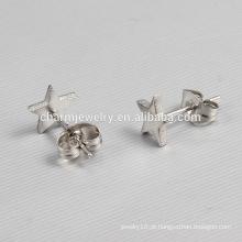2016 Nova Design Senhoras estrela prateada em forma de brincos de aço inoxidável Stud ZZE012