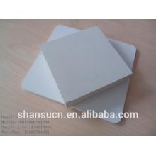 Panneau blanc de mousse de PVC taille 1.22 * 2.44m couleur blanche