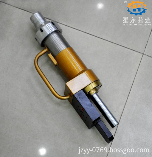 telescopic oil cylinder
