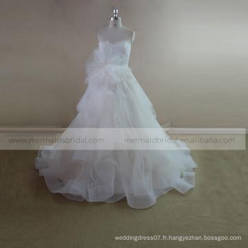 Graceful heart line ruffle ORG robe de mariée en dentelle avec une fleur faite à la main