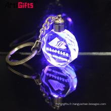 Gros personnalisé en vrac blanc laser 3D a conduit le cristal de verre Souvenir Keychain de mariage
