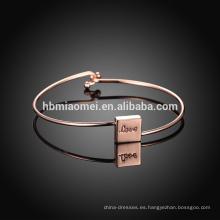 Pulsera del platino de la manera al por mayor de China, pulsera de la aleación de las mujeres de la alta calidad para el día de madre