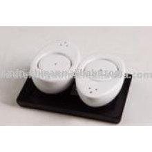 Conjunto de sal e pimenta de porcelana branca com bandeja JX-SP517
