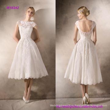 Нежные кружева и тюль короткое свадебное платье с Гипюром и стразами аппликации
