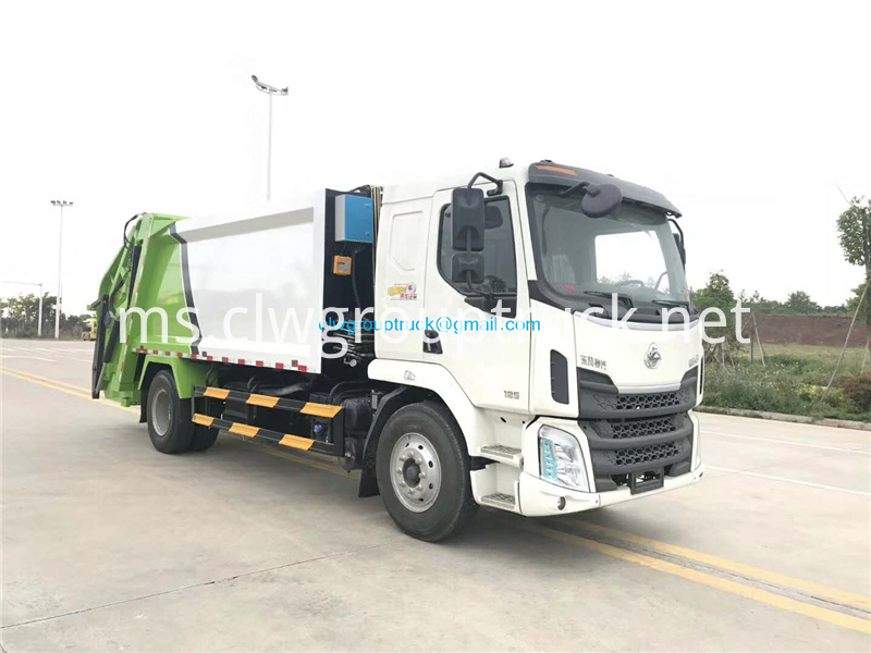 Compressed Refuse Truck 1
