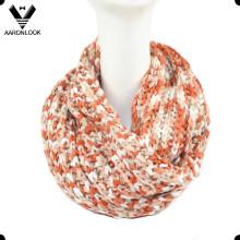 Boucle d'écharpe tricotée à la mode multicolore