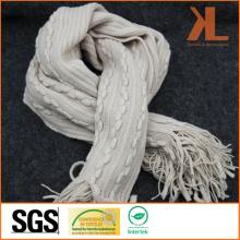 Echarpe tricoté à la rayure à la rayure à la rayure et aux rayures 100% Beige à la rayure