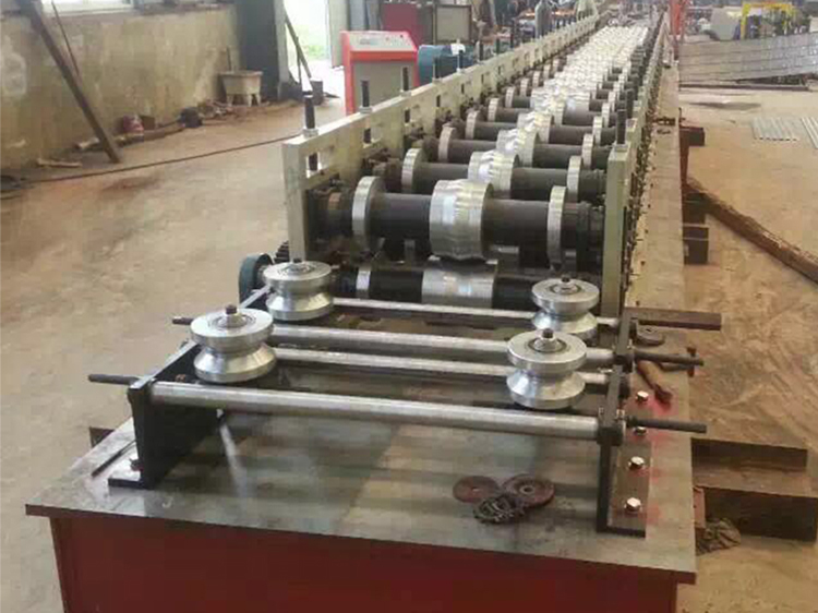 guard rail roll forming machine 3