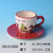 Hochwertige handbemalt keramische Weihnachtskaffeetasse und Untertasse