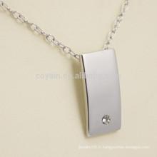 Collier pendentif en argent blanc en forme de rectangle en forme de rectangle avec diamant