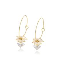 E-713 xuping unique design fashion exquisite 14k gold color synthetic zircon ladies drop earrings