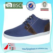 Precio de fábrica zapatos de lona baratos de inyección de alta calidad para los hombres