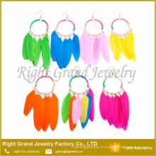 Hot vente plume colorée fait à la main boucle d'oreille boucle d'oreille de vacances