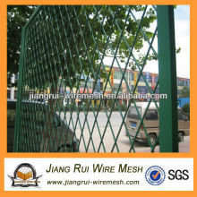 Недорогой расширяемый решетчатый забор