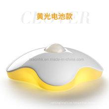 Lámpara de inducción de movimiento de cuerpo humano LED Clover Design de cuatro hojas