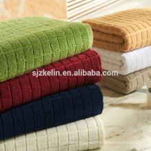 serviette de luxe en jacquard de coton rayé pour la maison