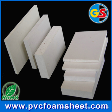Usine de feuille de mousse de PVC (densité chaude: 0.5 et 0.55 g / cm3)