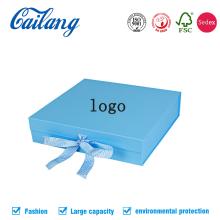 Caja de ropa de gama alta con cinta atada