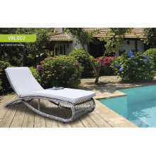 Moderne Rattan Chaise Lounge