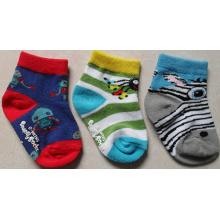 Chine chaussettes usine en gros coton chaussettes bébé nouveau-né chaussette
