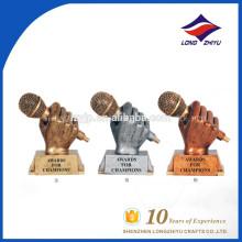 troféu de música personalizado troféu de microfone dourado