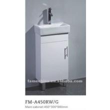 Armário de banheiro de pequeno porte