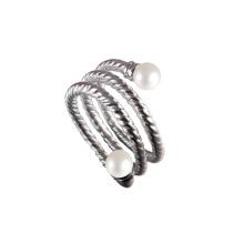 Anillo de compromiso con perlas de agua dulce Twist Ring