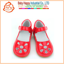 Принцесса звук небольшой moq дети скрипучие обувь оптом
