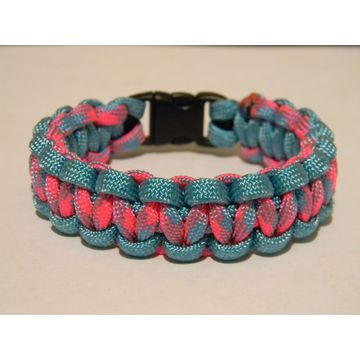 pink and blue camo polyester 550 paracord bracelet