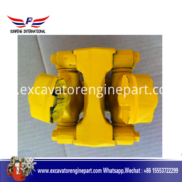 Shantui Bulldozer D65A-8 universal joint 16Y-12-00000