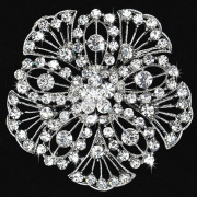 High Quality Fashion Cheap Flower Dress Brooch Rhinestones Women Brooches For Wedding wholesale