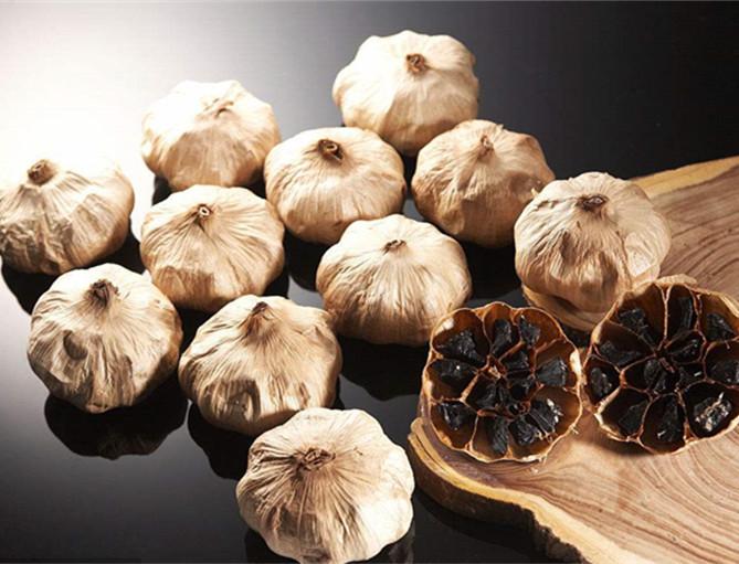 whole black garlic (95)