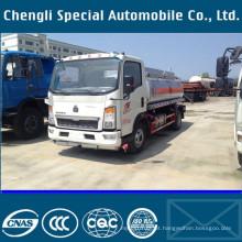 HOWO 9000liters 4 X 2 movimentação da mão esquerda combustível enchimento de caminhão