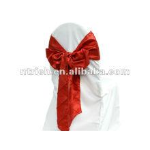 Charmosa faixa de tafetá pintuck para capa de cadeira de casamento