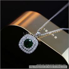 VAGULA Emerald Zircon Design Gold Plating Necklace (Hln16339)
